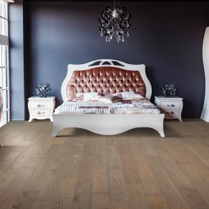 Bedroom hardwood flooring | McCool's Flooring