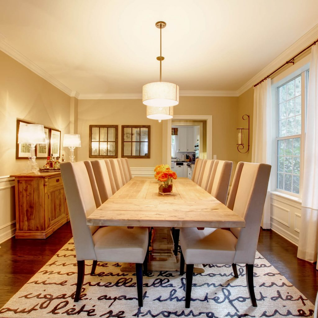 Choosing the Best Rug for Your Dining Room | McCool's Flooring