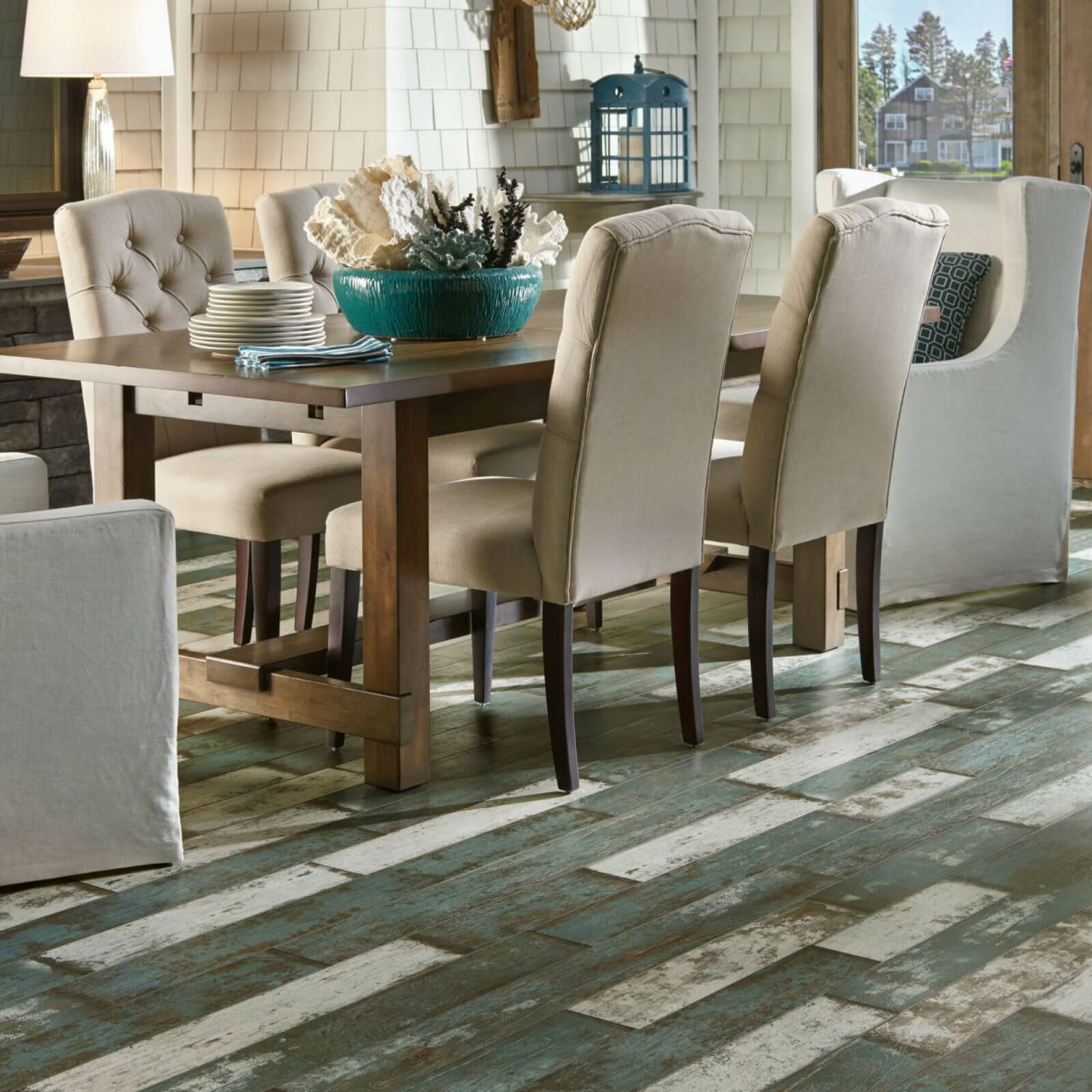 Dining room laminate floor | McCool's Flooring